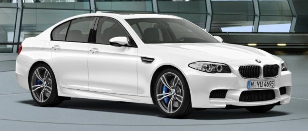 BMW F10 M5 in Alpine White