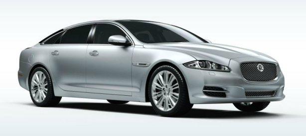 Jaguar XJ V8 LWB Portfolio in Liquid Silver