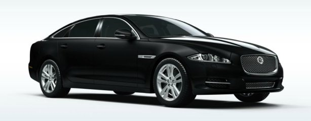 Jaguar XJ V8 lwb in ultimate black