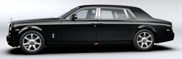 Rolls Royce Phantom EWB Series 2 in Black