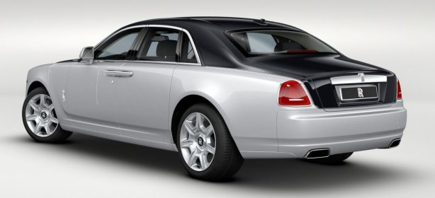 Rolls Royce Ghost in Diamond Black over Silver