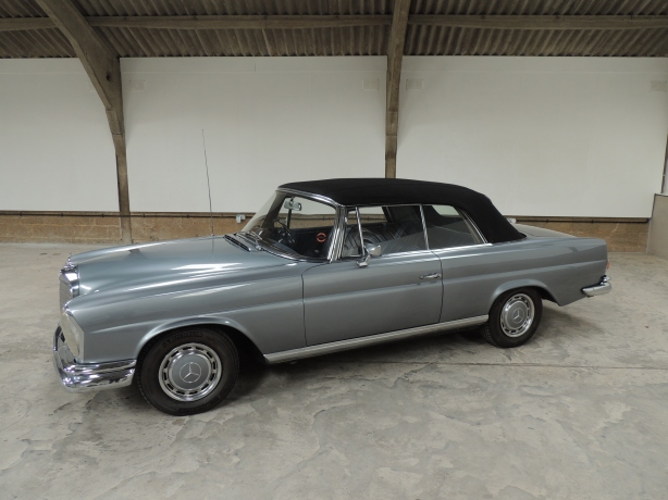 Mercedes Benz 220SE Convertible